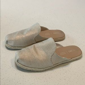Toms canvas mules size 7.5 wide tan